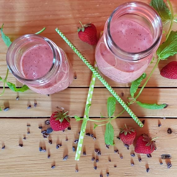Smoothie Kakaonibs Erdbeere Pfirsich